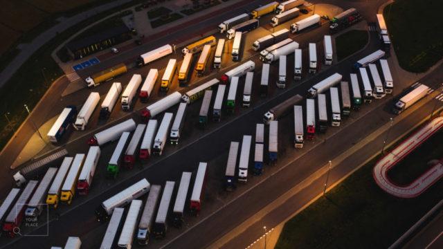Kostenlose Parkplätze für LKWs in den Benelux-Ländern: Belgien, Niederlande und Luxemburg.