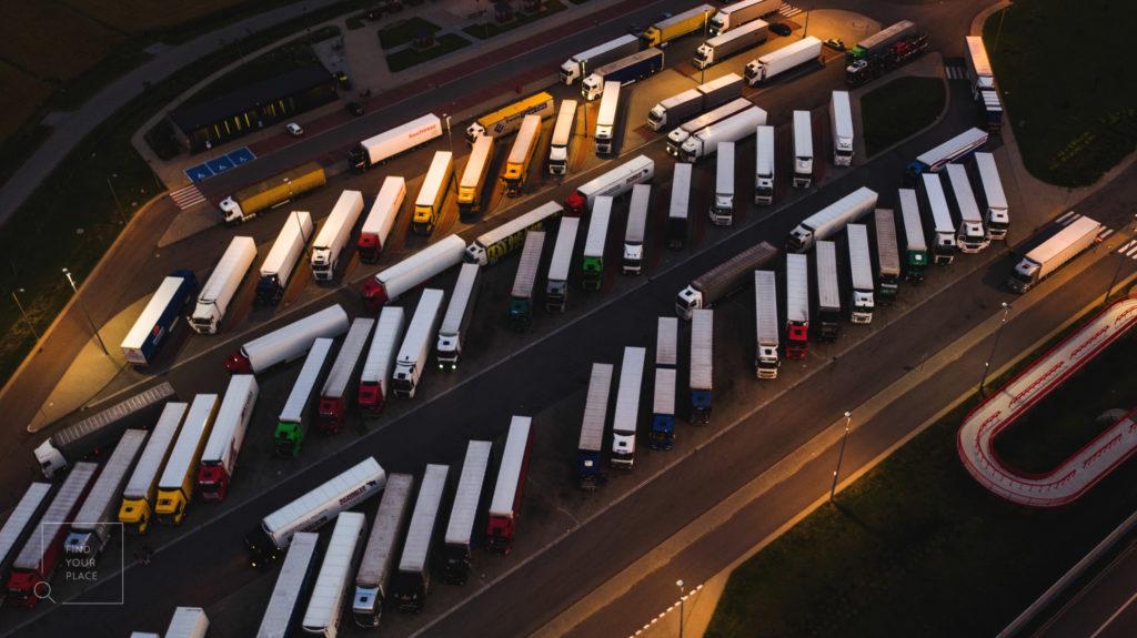 Ingyenes teherautó parkolók a Benelux államokban: Belgiumban, Hollandiában és Luxemburgban